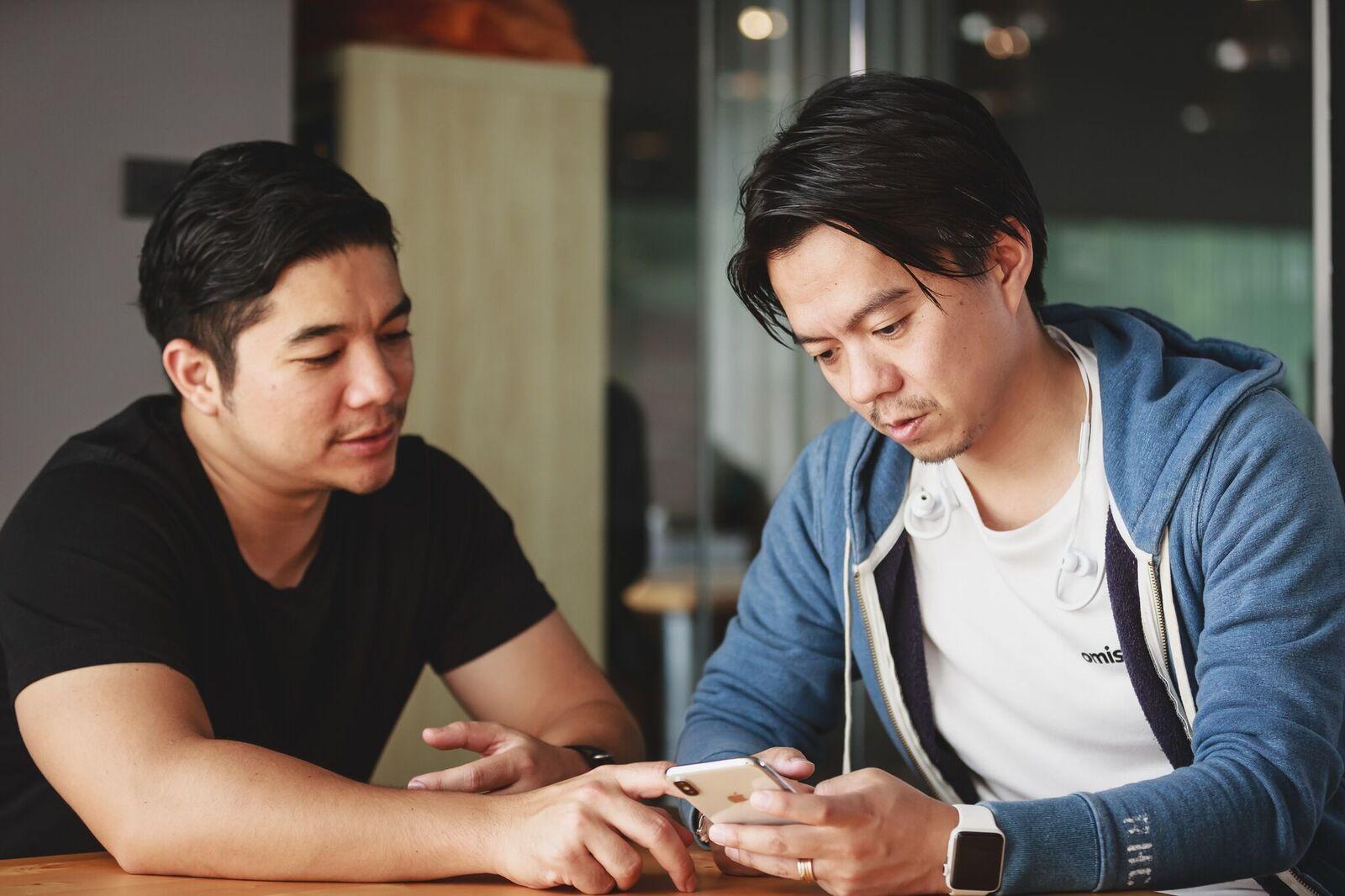 CEO長谷川(右)とCOOドニー(左)