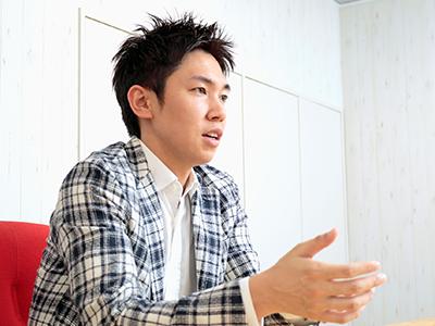 企業理念「社員一人ひとりが輝ける組織に」と代表の小嶋