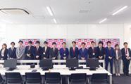 渋谷支社オープン日。ドレスコードは赤です。